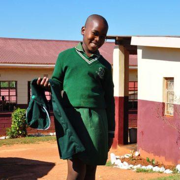Distribution des uniformes scolaires à Hhohho Ame Primary School, Swaziland – 2017